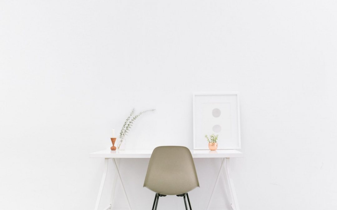 Minimalistisk kontor